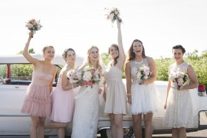 Montreal event photography wedding photographer bridal party outdoor summer wedding