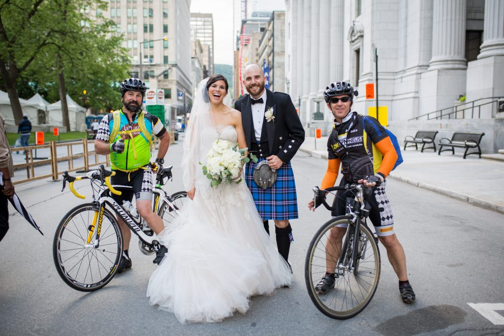 Montreal wedding photographer photo of bride and groom in the streets of montreal