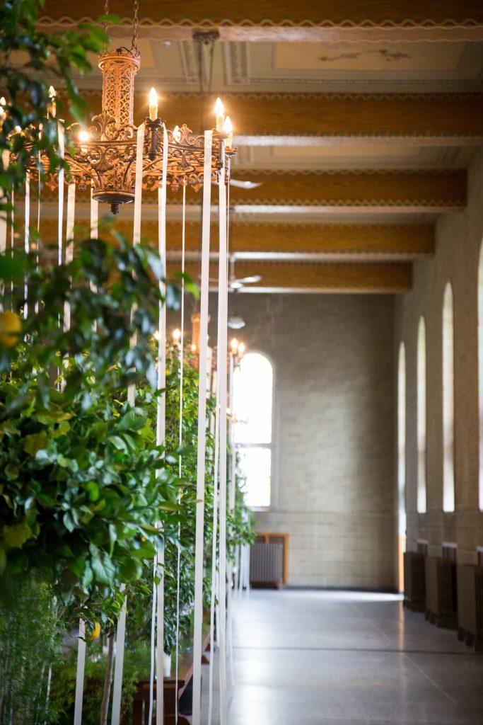 decor photos at a wedding in cathedral at Abbaye, OKA