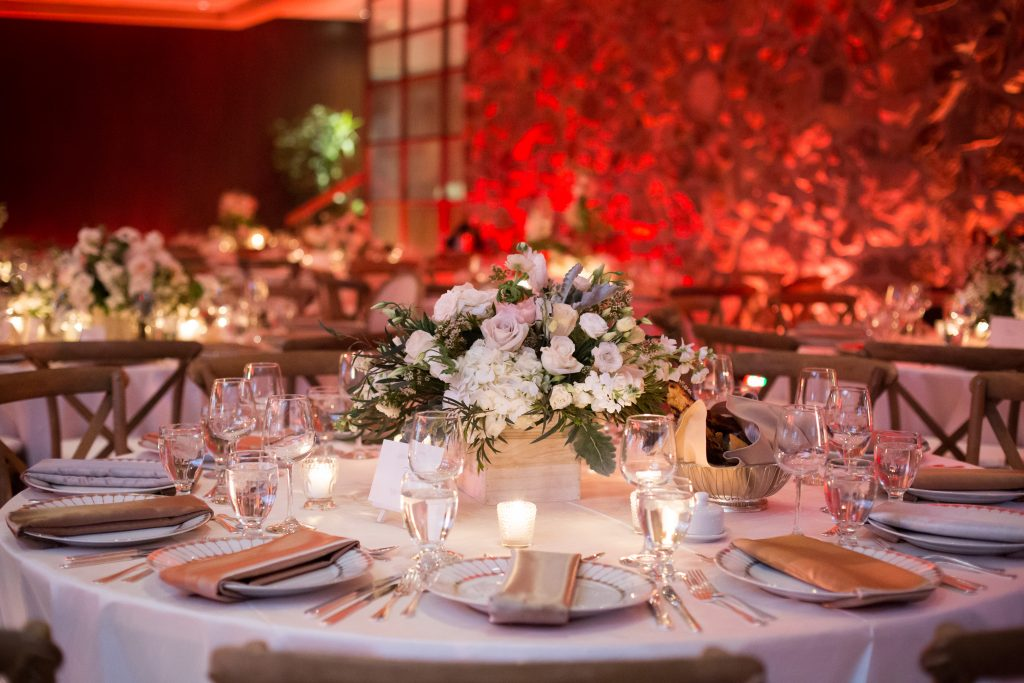 Montreal Wedding photography decor at elmridge golf course